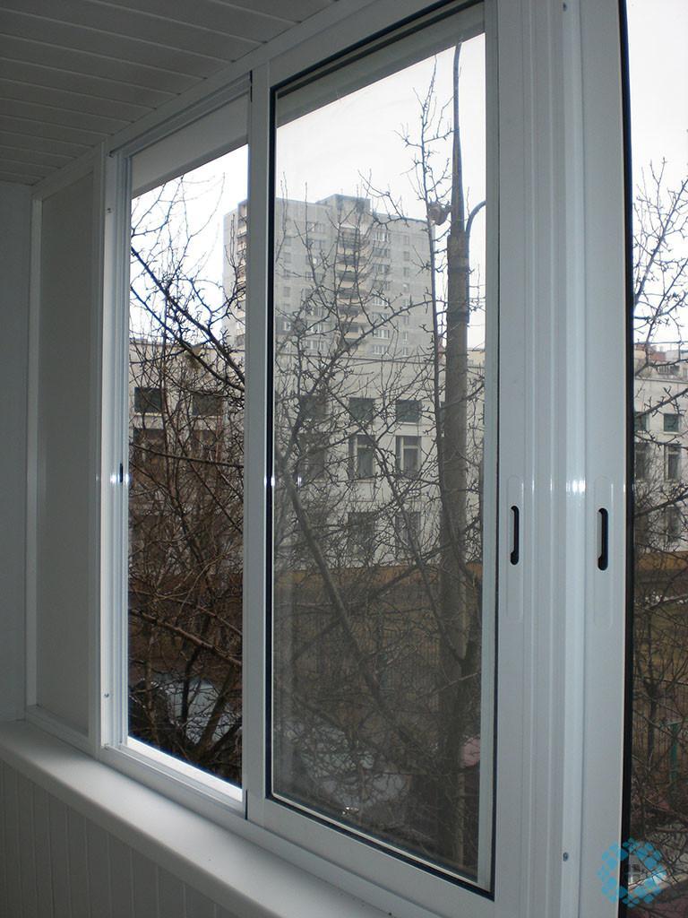 Заменить защелку на алюминиевом раздвижном окне балкона..